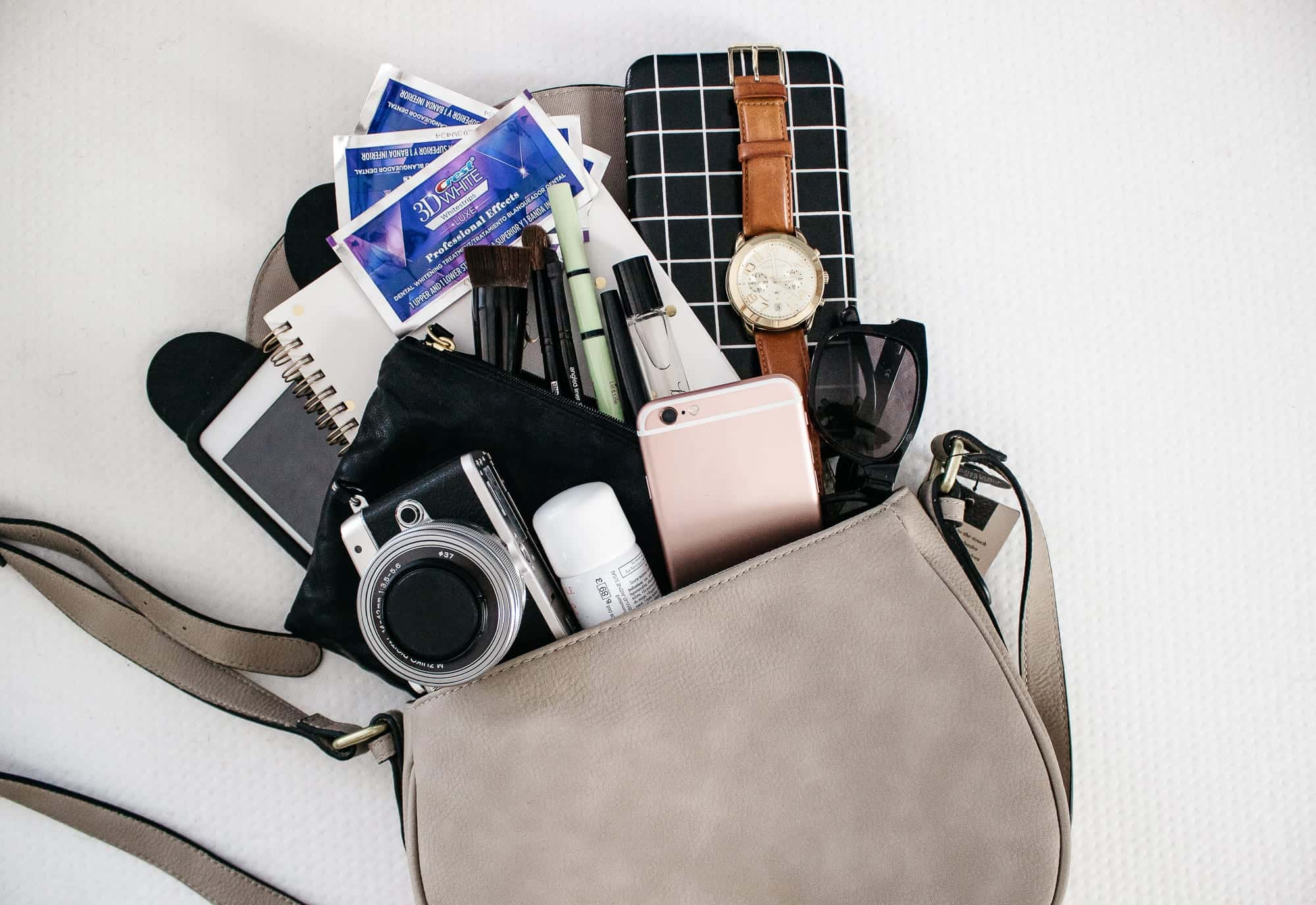 whats in my spring bag-15