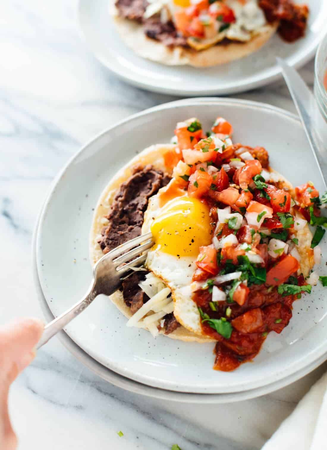 These 15 Vegetarian Recipes Are So Satisfying You'll Want to Go Meatless for an Entire Month! Now I have some healthy veggie recipes to try for breakfast, lunch, and dinner like this Huevos Rancheros Recipe!