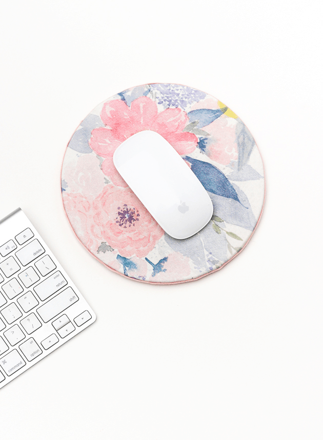 diy_fabric_mousepad-the crafted life