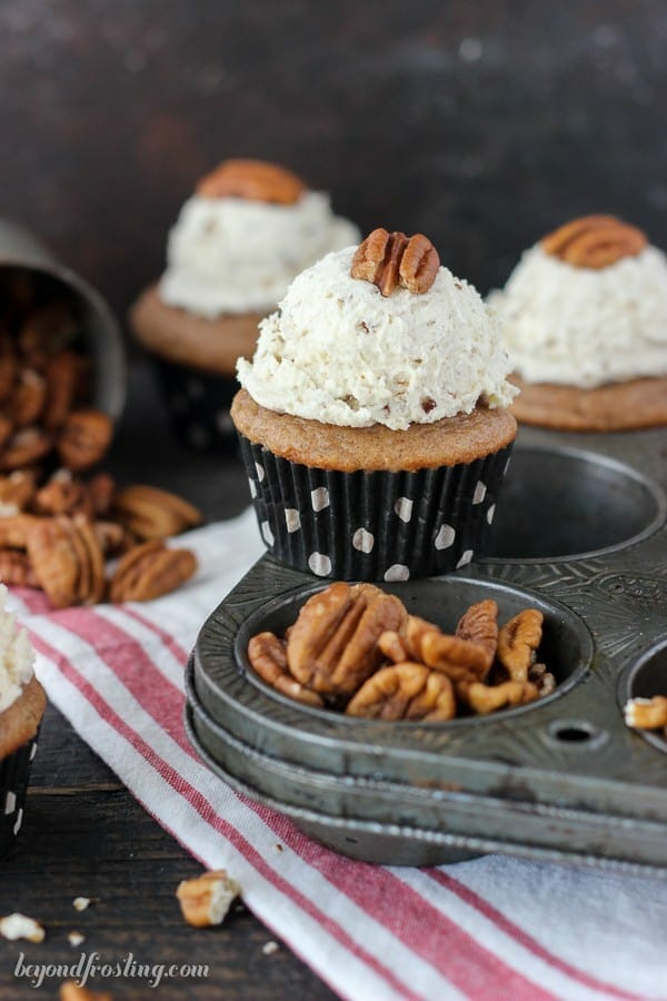 20 Sweet & Savory Pecan Recipes For Fall