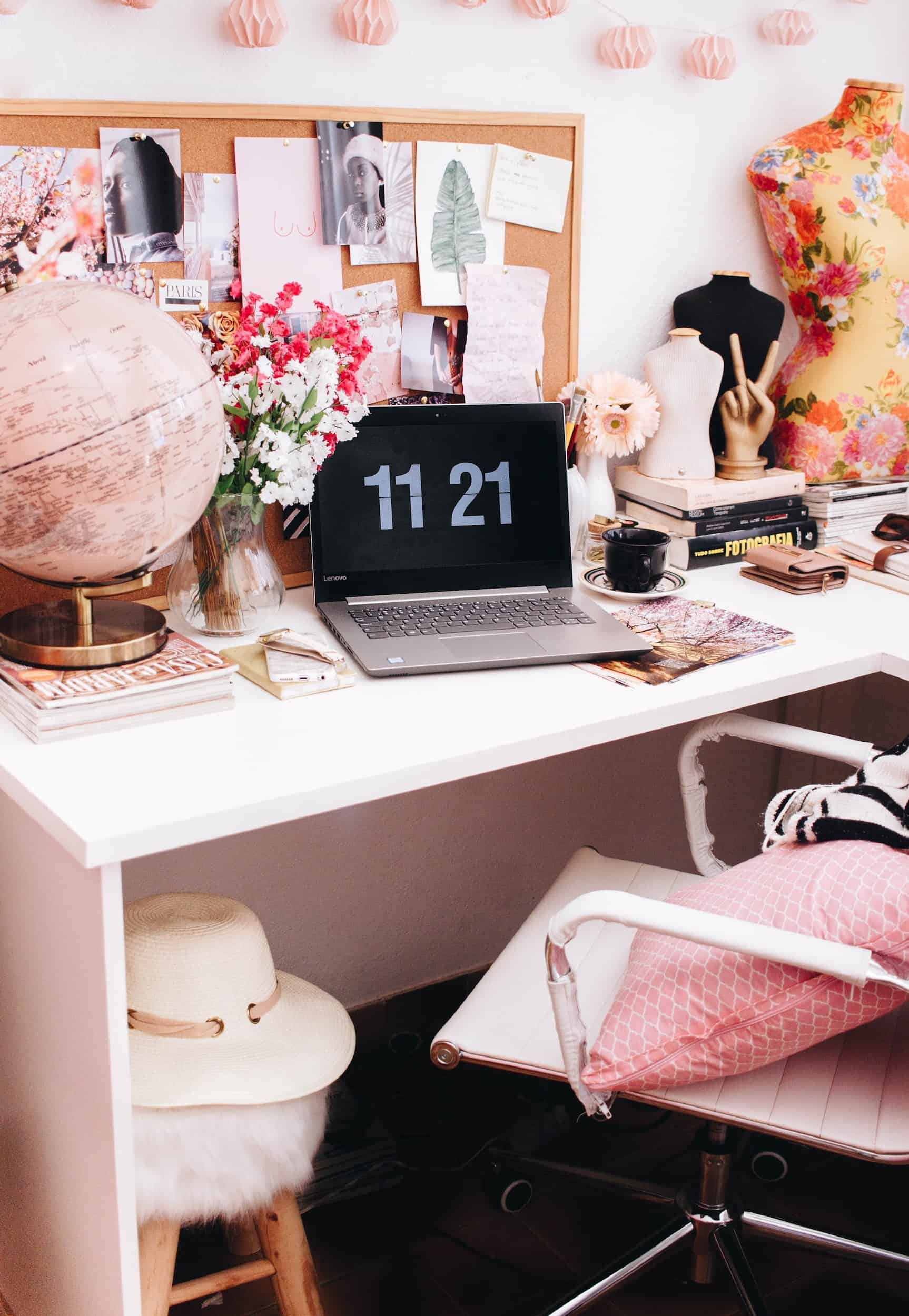 6 Ways to Add 'Wow' to Your Work Desk For Less than $30